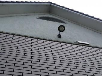 下から見た軒天塗膜劣化