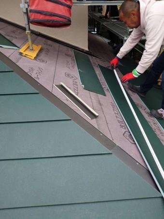 屋根材の長さカット