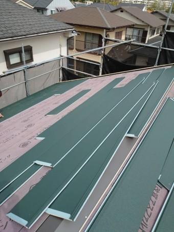 軽量で丈夫な屋根材