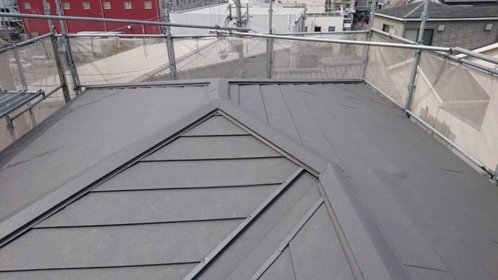 ガルバリウム鋼板葺き替え完工