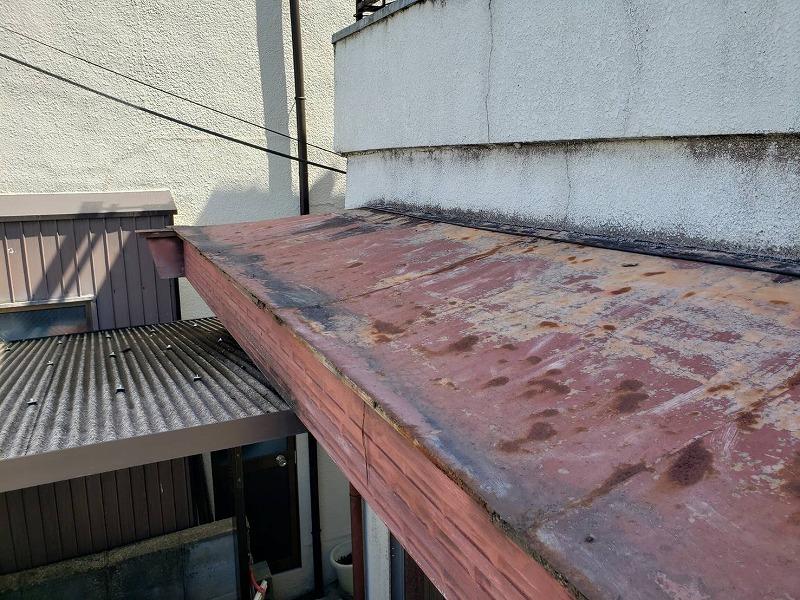堺市屋根修繕 ガルバニウムでの葺き替えビフォー