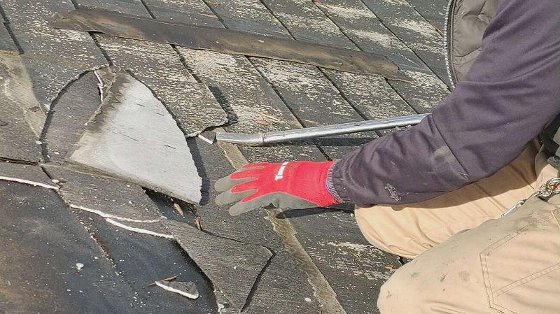 既存の屋根材の撤去 葺き替え工事