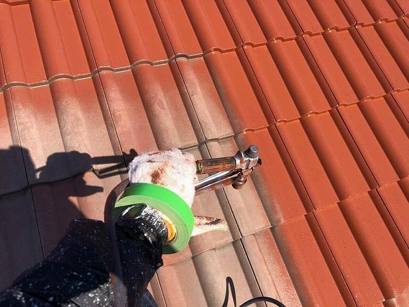 【屋根リフォームの工程】屋根の中塗り
