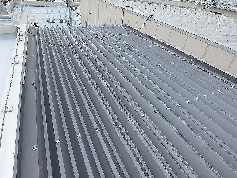 折板屋根張替え完成