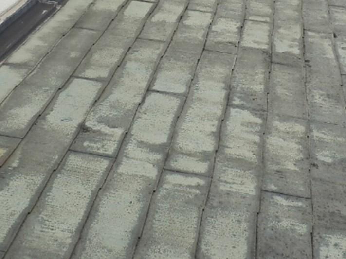 カバー工法施工前の屋根