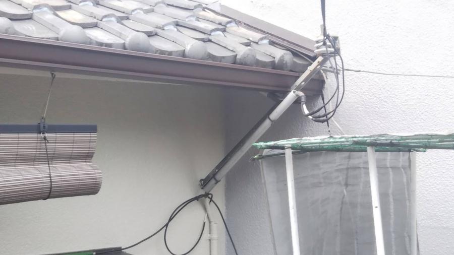 新しい雨樋に交換