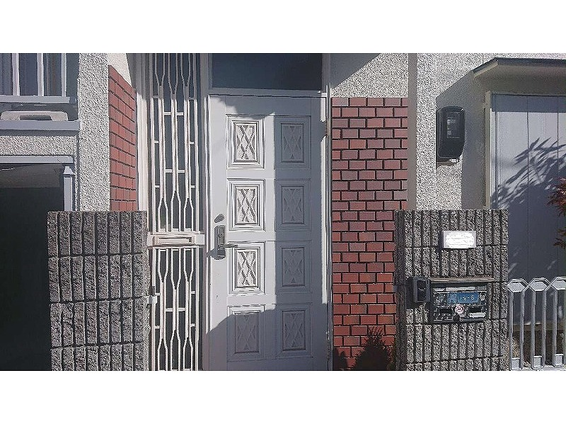 外壁塗装後の玄関ドア