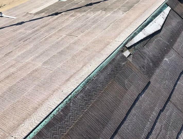 スレート屋根の板金の被害