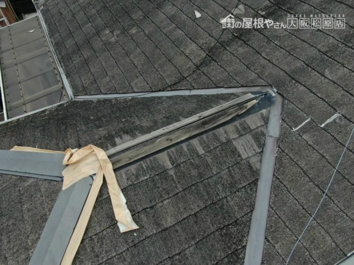 台風による棟板金の飛散