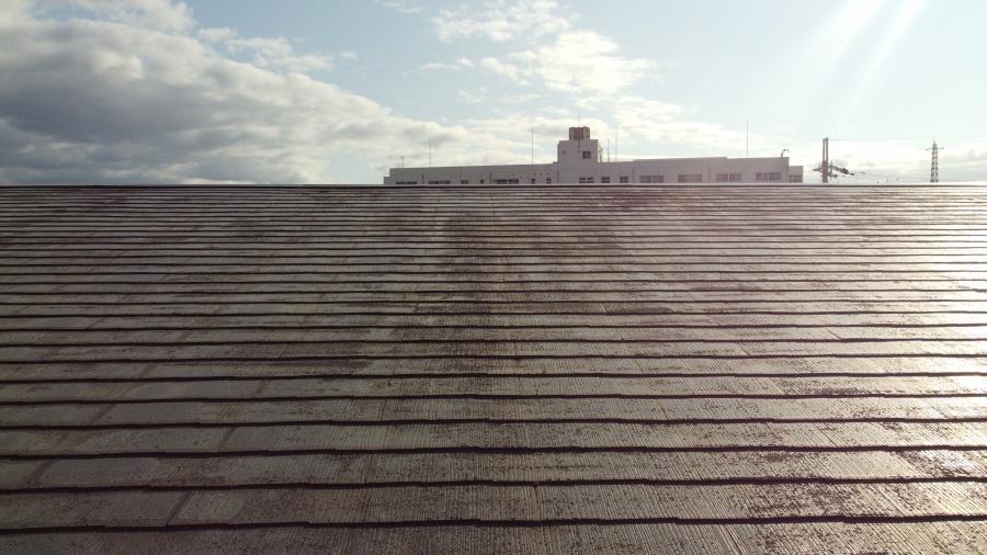 カビ苔錆の生えたスレート屋根