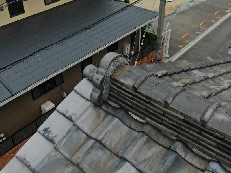 大屋根の漆喰(鬼瓦)