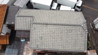 瓦屋根のお宅