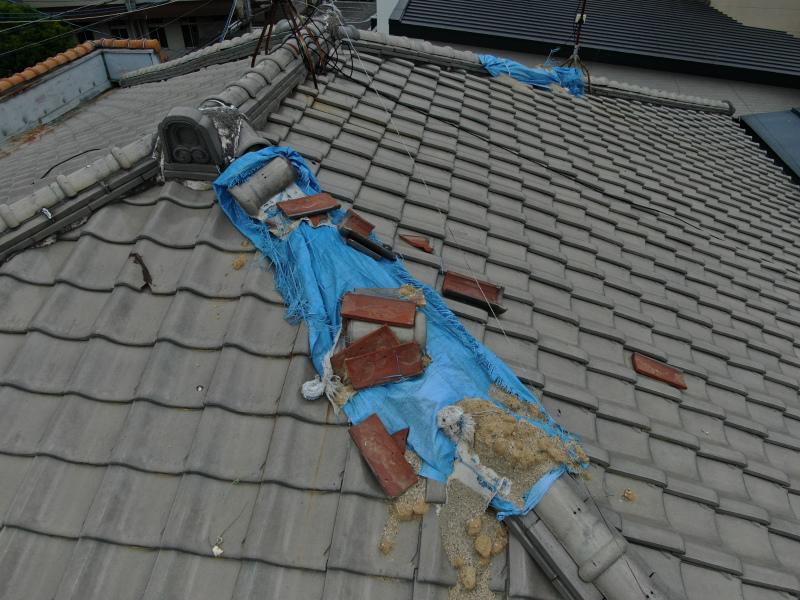 堺市北区 台風による強風で屋根瓦の被害の現場調査に伺いました