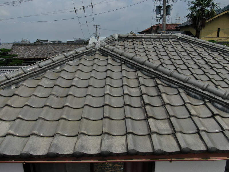大屋根の屋根修理