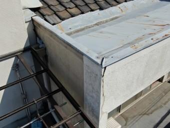 劣化した屋根板金