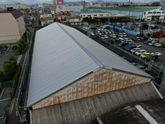倉庫の屋根カバー工法