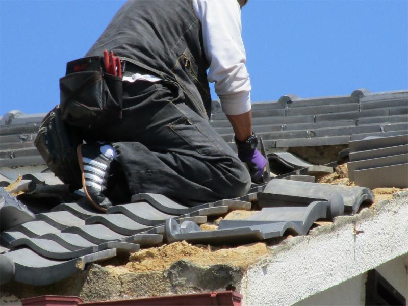 屋根の葺き直し工事