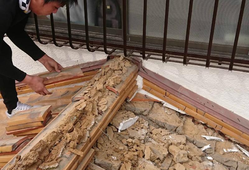 瓦の葺き替え工事