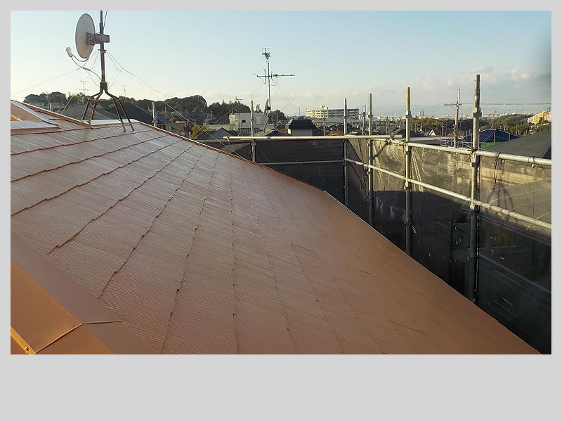明るい色の屋根塗装例別角度 サンタンオレンジ