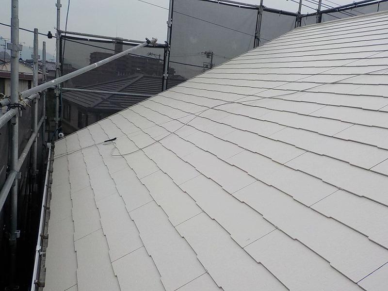 明るい色の屋根塗装例別角度 アイボリー
