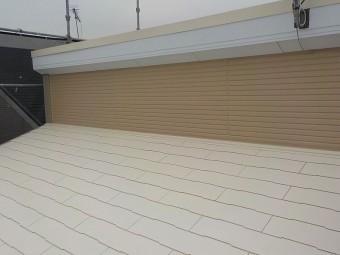 明るい色の屋根塗装例 アイボリー
