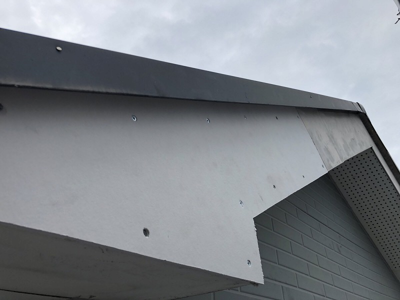 破風板ケイカル補修