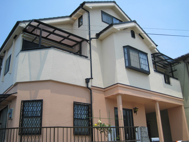 屋根補修後の家