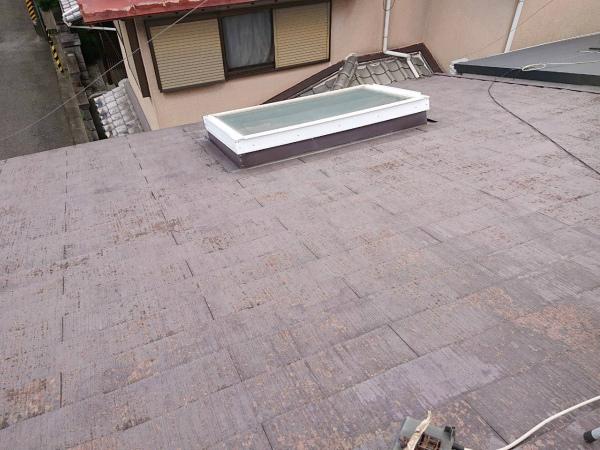 スレート屋根の天窓の点検