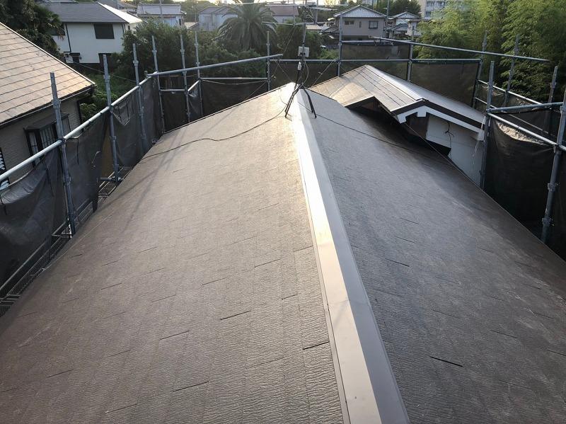 和泉市でカラーベスト葺き替えが完成した住宅