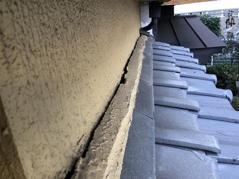 外壁に出来た隙間
