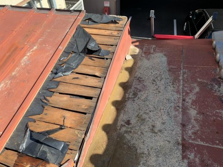 瓦棒屋根の強風被害