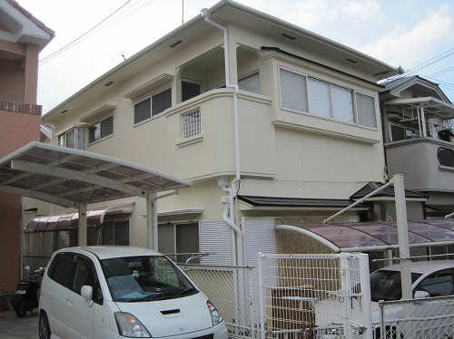 屋根塗装後の家