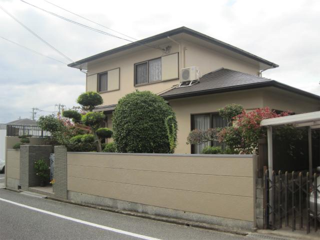 屋根塗装完成の家