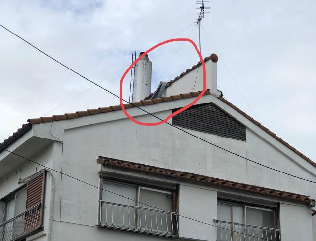 台風の被害で棟板金のずれ