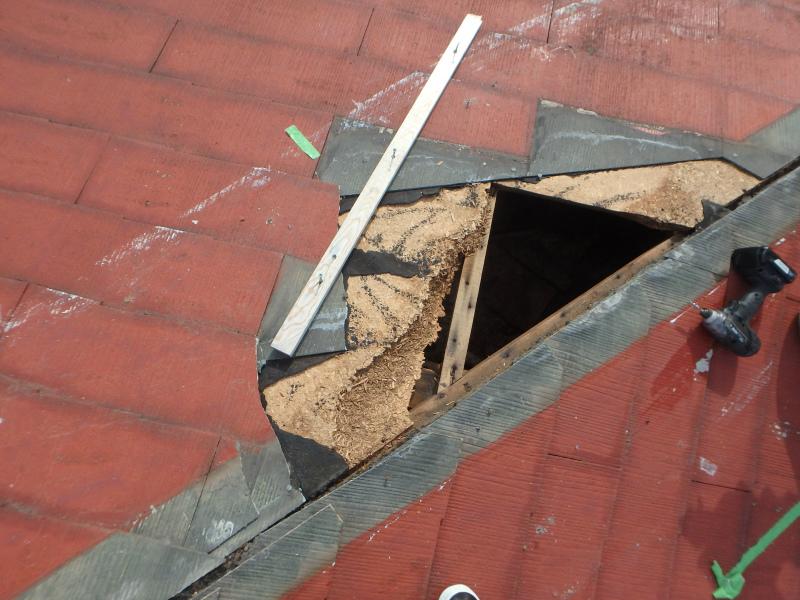 台風によりカラーベストの被害