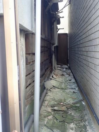 壁材が落下