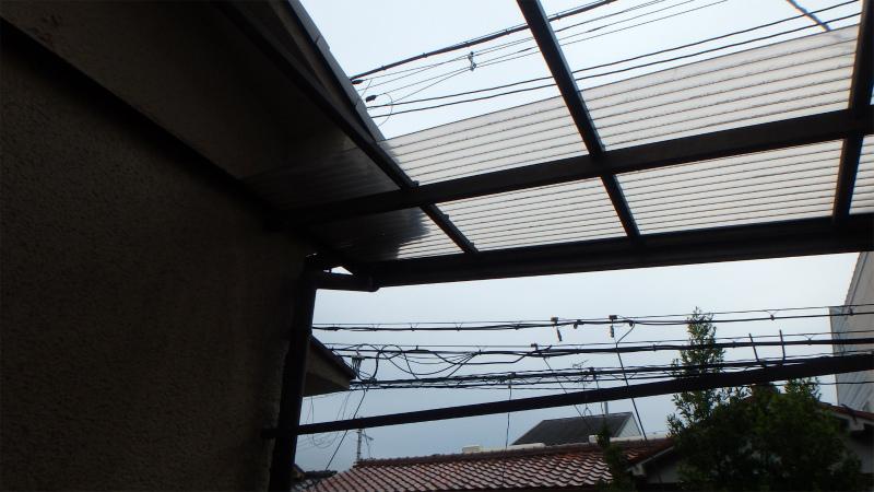 テラスのポリカ屋根