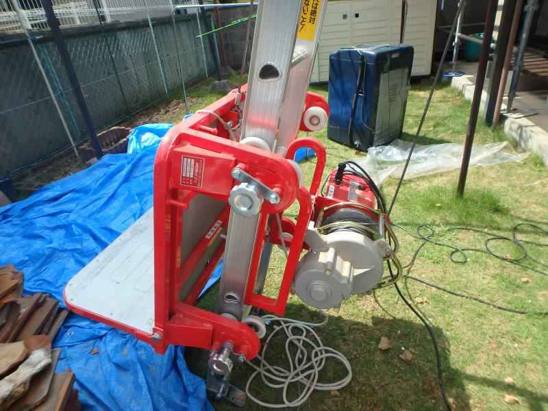 屋根工事の使用する昇降機