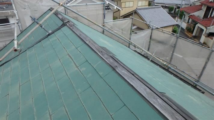 棟板金が台風によって欠損