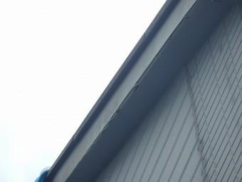 破風板のケイカル板破損状況