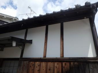 農家の家 トタン塗装