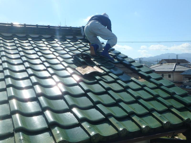 屋根作業中