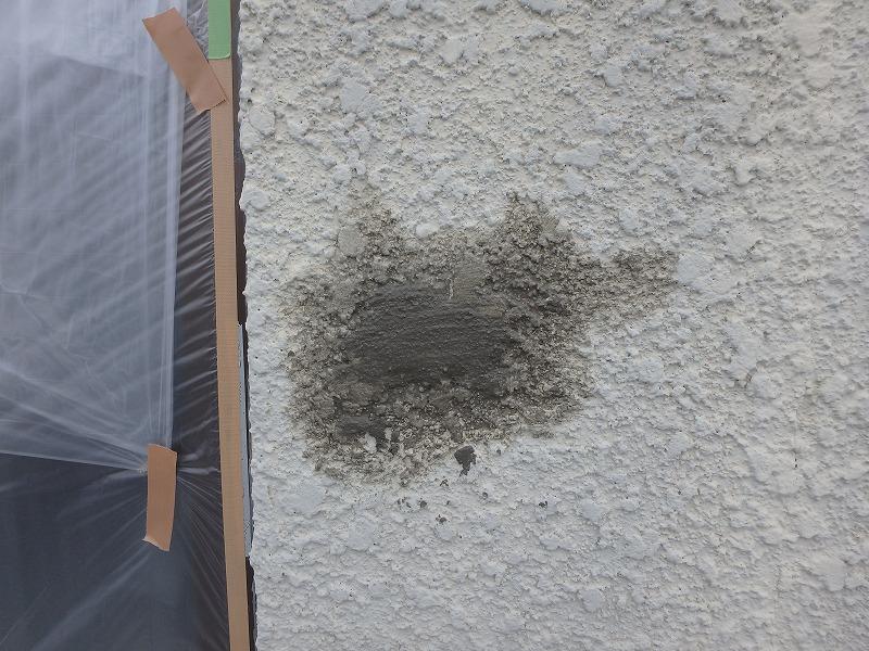 外壁の穴埋め補修