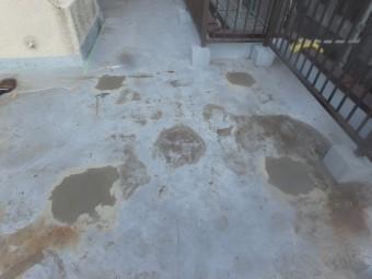 足元ブロック撤去跡の穴埋め補修