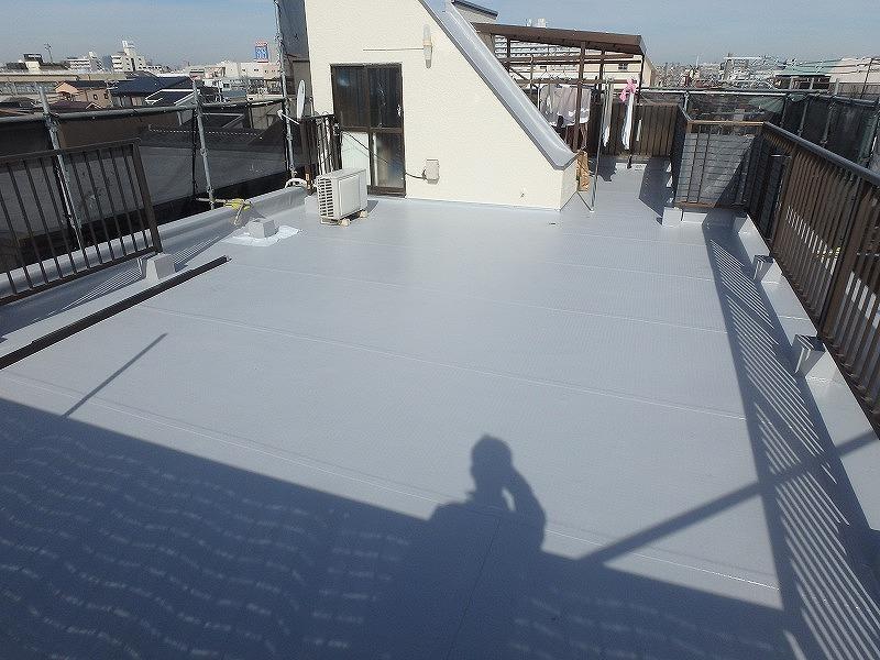 屋上塩ビシート貼り完了