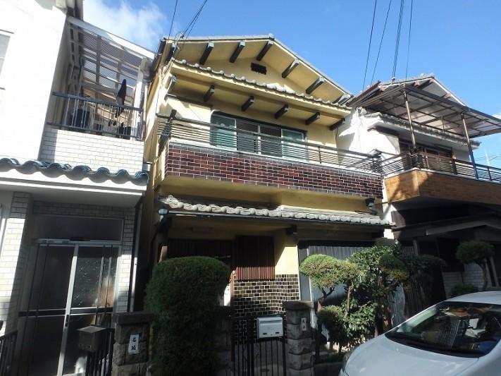 堺市へ雨漏り点検のため訪問