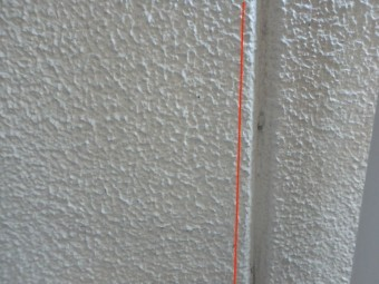 7年前に塗装したALCの目地