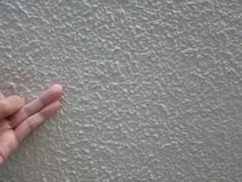7年前に塗装したALC外壁の調査