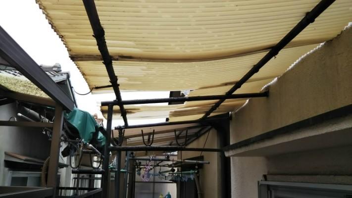 台風による波板の被害