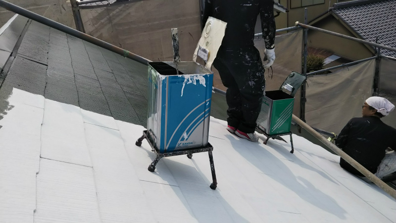屋根中塗り3